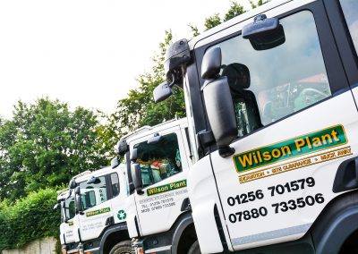 Wilson Plant Grab Trucks provide solid waste management for Hampshire, Berkshire and the South of England. Call 0800 4714791 to discuss your requirements.